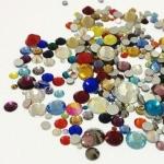 Набор страз микс размеров (500-600 шт) от S3 -S16 стекло, высокое качество, разноцветные.