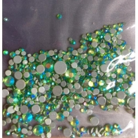 Набор страз микс размеров (500-700 шт) от S3 -S16 стекло, высокое качество,зеленые